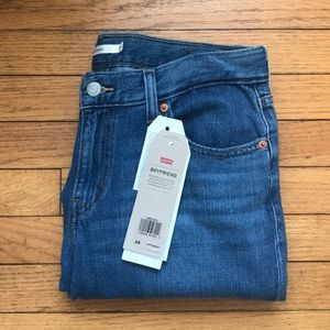 🆕Levi's Boyfriend Jeans
